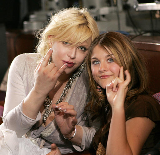 "Courtney Love and then 12-year-old daughter Frances Bean Cobain attend the finale of FOX network's ""American Idol"" finale in Los Angeles, May 25, 2005. (AP Photo/Kevork Djansezian)"
