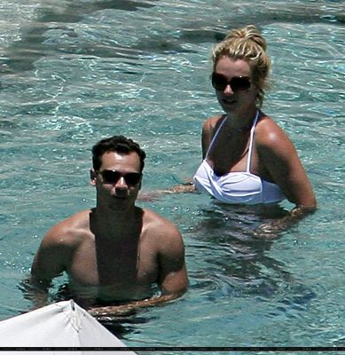 Tsour Lee Adato and Britney Spears at a hotel pool in Cabo San Lucas Jul. 27, 2008. Photo courtesy/Killthelights.org
